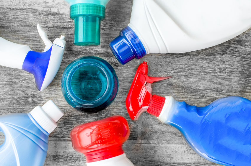чистка диванов бытовыми моющими средствами